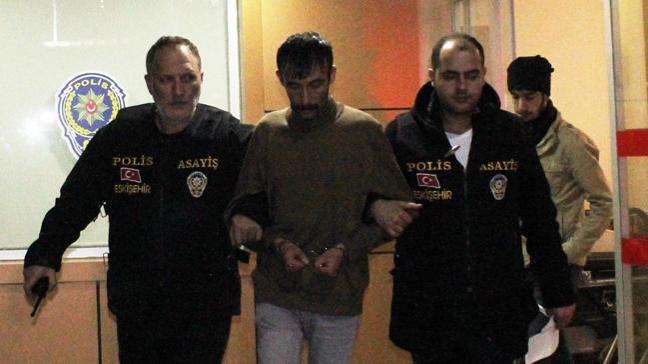 Eskişehir'de dehşet! Ayrı yaşadığı eşinin erkek arkadaşını tüfekle vurdu