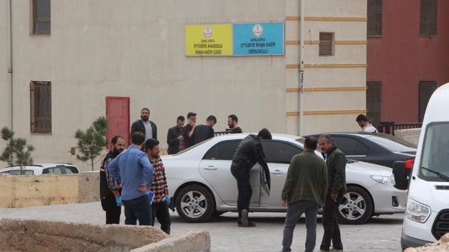 Şanlıurfa'da okul yoluna tuzaklanan bombayı temizlik görevlisi buldu