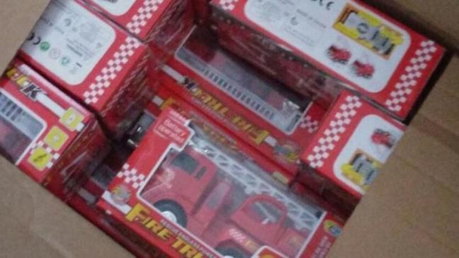 Kanserojen içerikli 25 bin kaçak oyuncak ele geçirildi