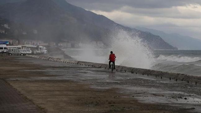 Trabzon'da hava muhalefeti dolayısıyla bazı uçak seferleri iptal edildi