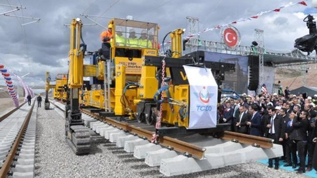 Sivas-İstanbul arası 5.5 saate iniyor