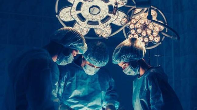 Beyin cerrahide dünyanın ilk 'robotik' ameliyatı Türkiye'den