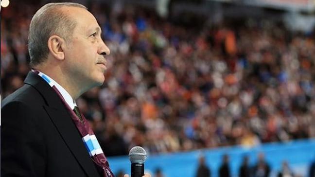 Trabzonluların kongre salonuna astığı poster Cumhurbaşkanı Erdoğan'ı duygulandırdı