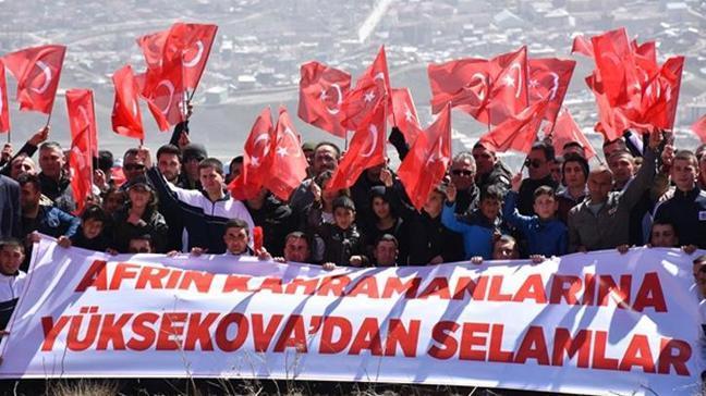 Hakkari'nin Yüksekova ilçesinde Zeytin Dalı Harekatı'na destek amacıyla yürüyüş düzenlendi