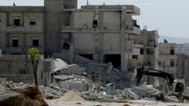 Afrin'de YPG/PKKlı teröristlerin tuzakladığı bir evde meydana gelen patlamada 6 kişi altında kaldı