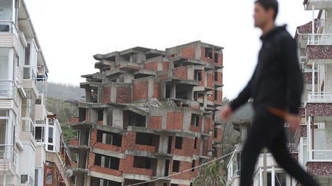 Yalova'daki toprak kayması nedeniyle evler boşaltılıyor