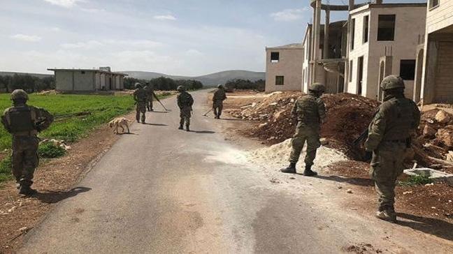 Afrin el yapımı patlayıcılardan temizleniyor