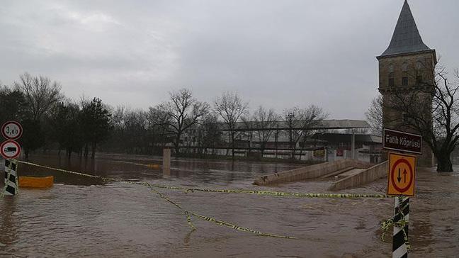 Tunca Nehri'nin debisindeki artış sürüyor