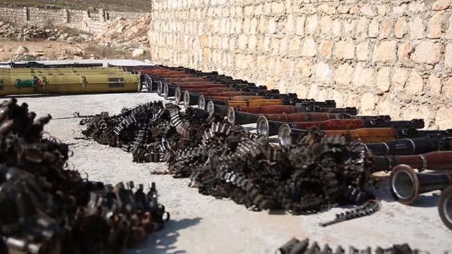 Mayın temizleme faaliyetinde binaların altından terör örgütü PKK/PYD'nin cephanelikleri bulundu