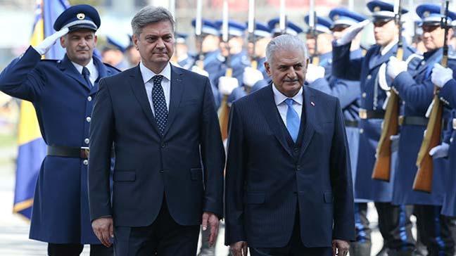 Başbakan Yıldırım Bosna Hersek´te törenle karşılandı