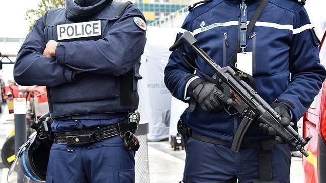 Fransa'da terörü övmek suçundan bir gözaltı daha
