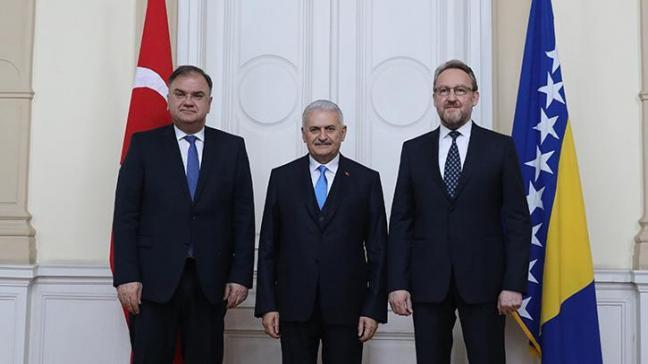 Başbakan Yıldırım, İzzetbegoviç ile bir araya geldi