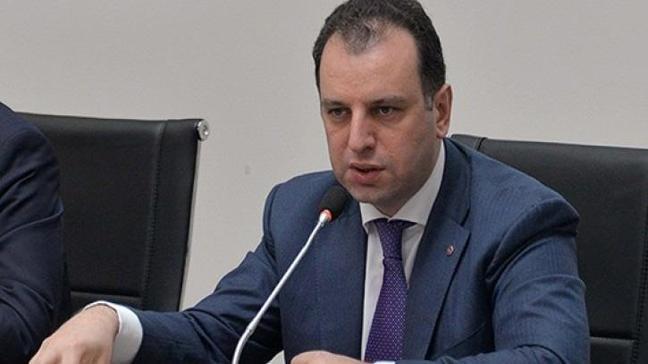 Ermenistan Savunma Bakanı Vigen Sarkisyan: Türkiye Yunan askerlerini serbest bırakmalı