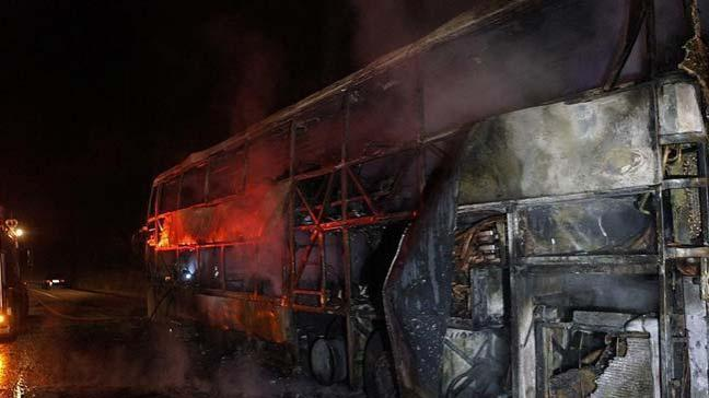 Tayland'da göçmen işçileri taşıyan yolcu otobüsünde çıkan yangında 20 kişi hayatını kaybetti