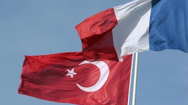 Türkiye'den Fransa'ya: Böyle bir teklif terörü desteklemektir
