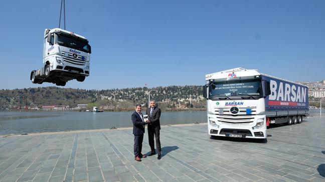 Mercedes-Benz Türk'ten Barsan Global Lojistik'e, Türkiye'nin en büyük kamyon teslimatı