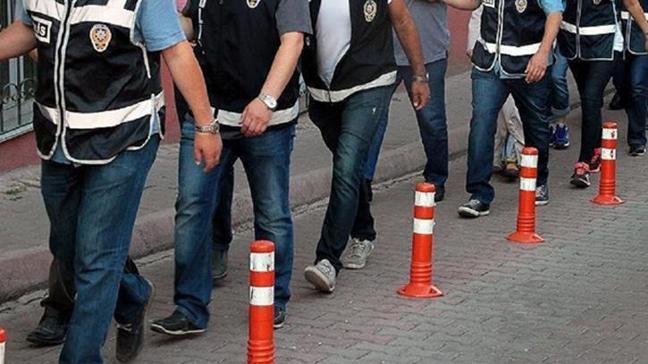 FETÖ'ye yönelik Diyarbakır'da yürütülen soruşturma kapsamında 9 astsubay gözaltına alındı