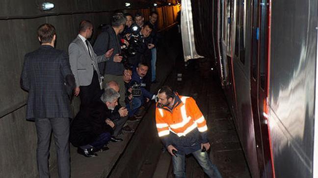Ankara Büyükşehir Belediye Başkanı: Metro kazasında hasar büyük, iki gün sıkıntı var