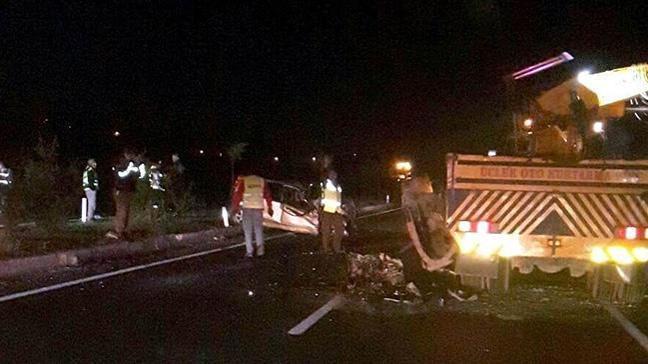 Manisa'da trafik kazası: 2 ölü, 4 yaralı