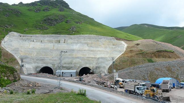 Eğribel Tüneli'nde çıkışa 140 metre kaldı