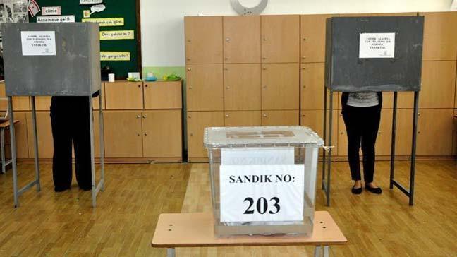 Kuzey Kıbrıs Türk Cumhuriyeti'nde (KKTC) yerel seçimler için oy verme işlemi başladı