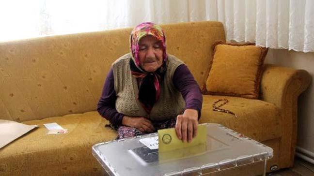 Bolu'da 62 seçmen seyyar sandıkta oy kullandı