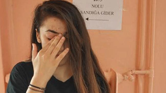 Trabzon'da yaşayan genç kız ilk kez oy verdi, göz yaşlarına boğuldu
