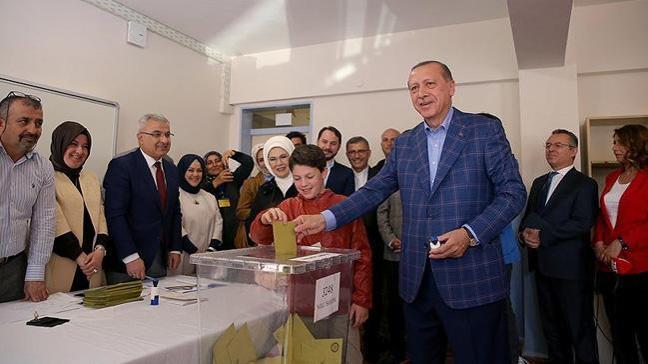 Cumhurbaşkanı Erdoğan'ın oy kullandığı Üsküdar 3275 nolu sandık açıldı! İşte çıkan sonuçlar...