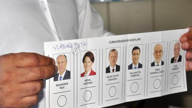 Türkiye'deki seçimde Vladimir Putin'e oy çıktı