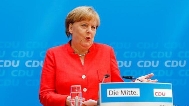 Spiegel: Almanya'da SPD erken seçime hazırlanıyor