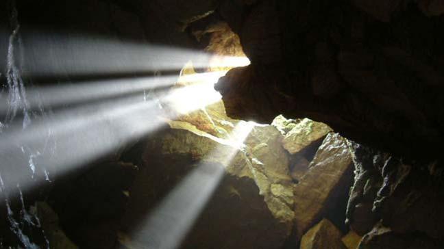12 genç futbolcu ve antrenörleri Tayland'da mağarada mahsur kaldılar