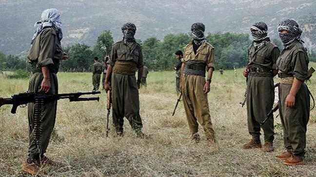 Terör örgütü YPG/PKK Rakka'daki işgaline karşı çıkan grubu kuşattı halka ateş etti