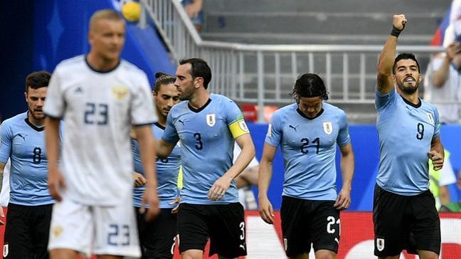 Uruguay Rusya'yı 3-0 mağlup edip grubunu lider tamamladı