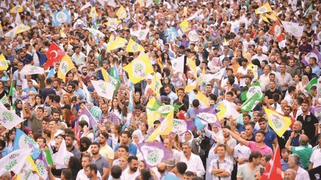 Firari FETÖ'cüler HDP'ye oy verdi