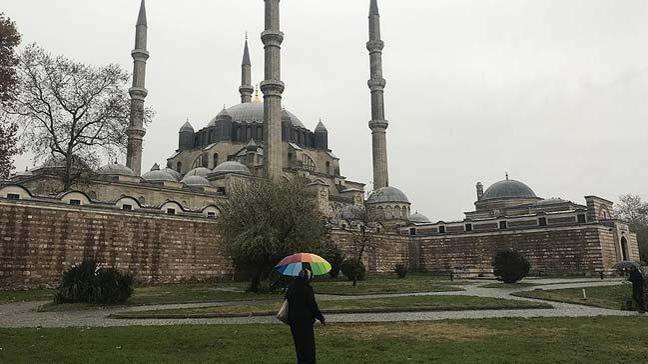 Marmara Bölgesi'nin aralıklı sağanak ve gök gürültülü sağanak yağışlı geçeceği tahmin ediliyor