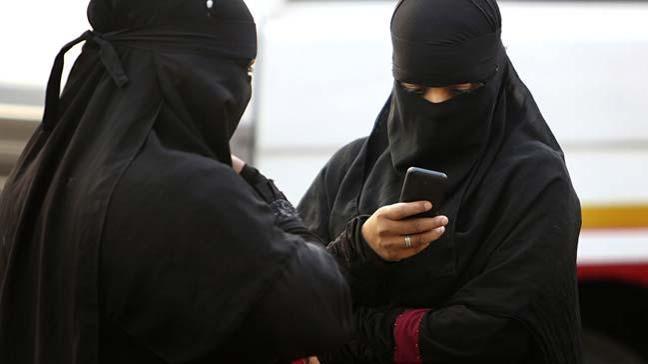 Hollanda Senatosu, uzun süredir üzerinde tartışılan burka yasağı yasasını onayladı