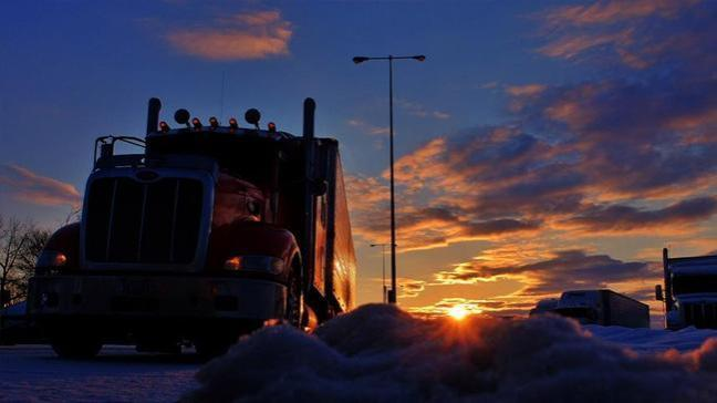 Kanada yıllık 80 bin dolar maaşla çalışacak 48 bin TIR şoförü arıyor