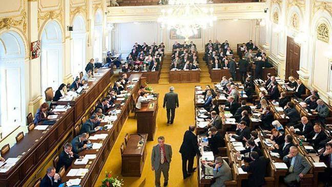 Çekya Cumhurbaşkanı Miloş Zeman, azınlık hükümetine onay verdi