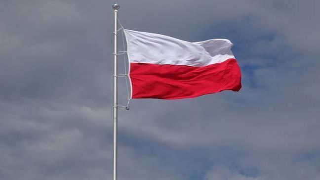 Polonya 'Yahudi soykırımıyla' ilgili tartışmalı yasayı değiştirdi