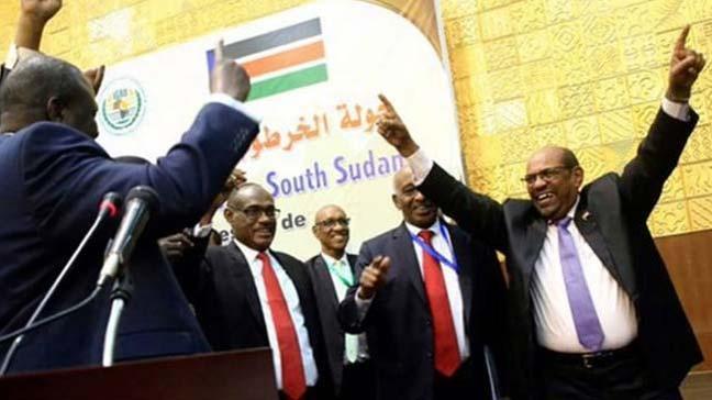 Hartum'da bir araya gelen Güney Sudanlı liderler yeni barış anlaşmasını imzaladı