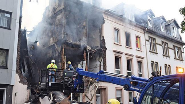 Almanya'da bir evde patlama: 3 ölü