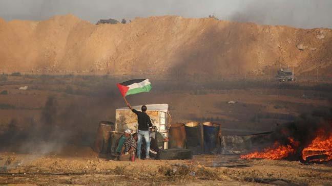 İsrail'in yaraladığı Filistinli genç şehit oldu