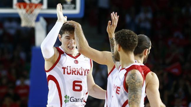 A Milli Erkek Basketbol Takımı, Ukrayna'yı 80-66 mağlup etti