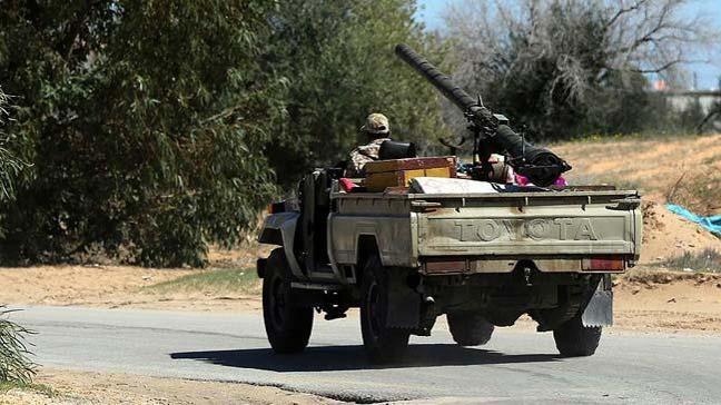 Libya'da Hafter güçleri Derne'yi ele geçirdi