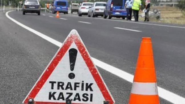 Kırıkkale'de hafif ticari araç devrildi: 1 ölü, 4 yaralı