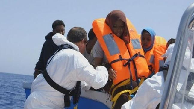 Libya açıklarında 270 göçmen kurtarıldı