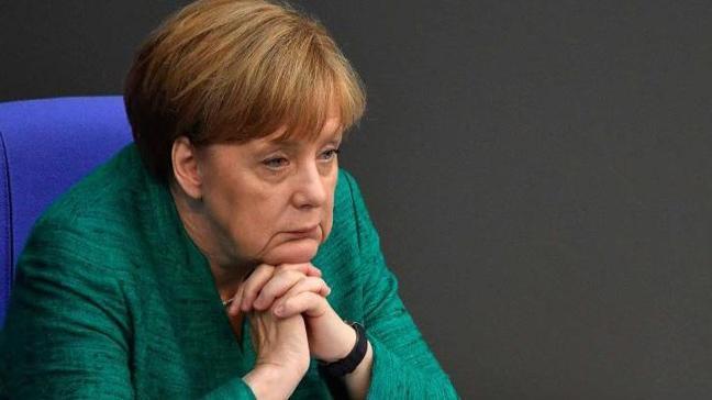 Merkel, Almanya'daki sığınmacıları göndermek için 14 ülkeyle anlaştı