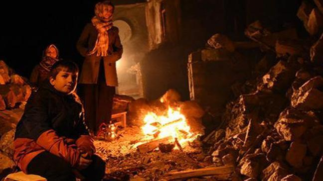 Depremin ardından Ayvacık'ta okullar tatil edildi