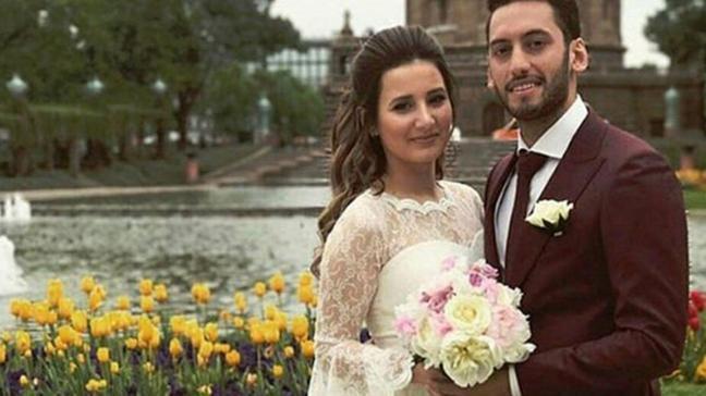 Hakan Çalhanoğlu'ndan eşi Sinem'e: Tanıdığım en güçlü kadınsın