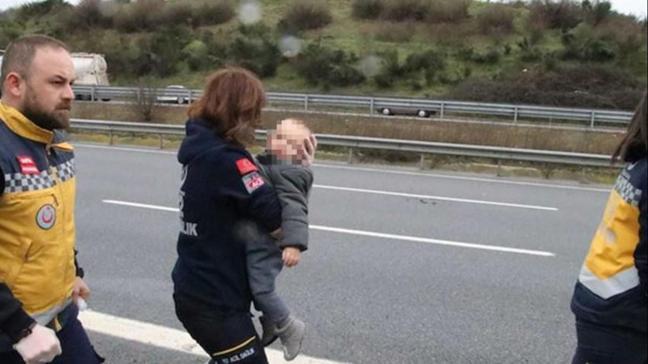 Kazada sürücü ve eşi öldü, çocuklarının burnu bile kanamadı